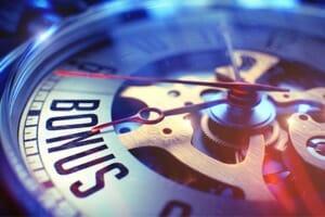 Are bonuses the key to hourly staff retention?
