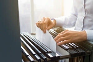 Are employees entitled to see their personnel files?
