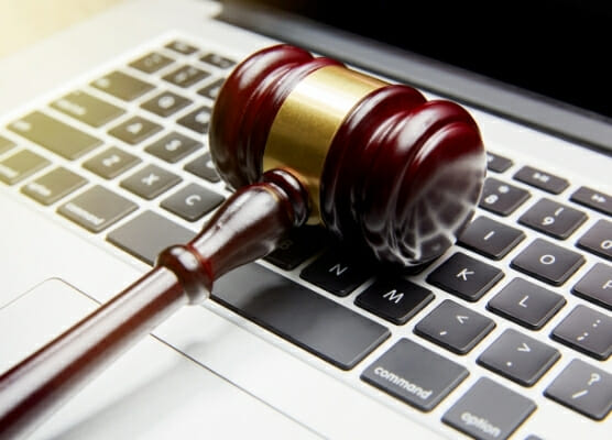 business law hr 556x400